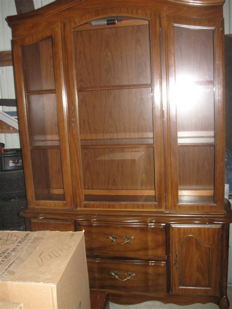 Broyhill Dining Room Hutch Broyhill Lenoir House Dining Set And China Hutch My