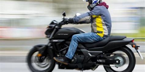 Unfall Motorrad Oranienburg by 19 J 228 Hriger Verungl 252 Ckt Mit Gestohlenem Motorrad