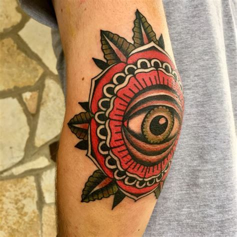 eyeball tattoo on elbow eye elbow tattoo art tattoos pinterest elbow