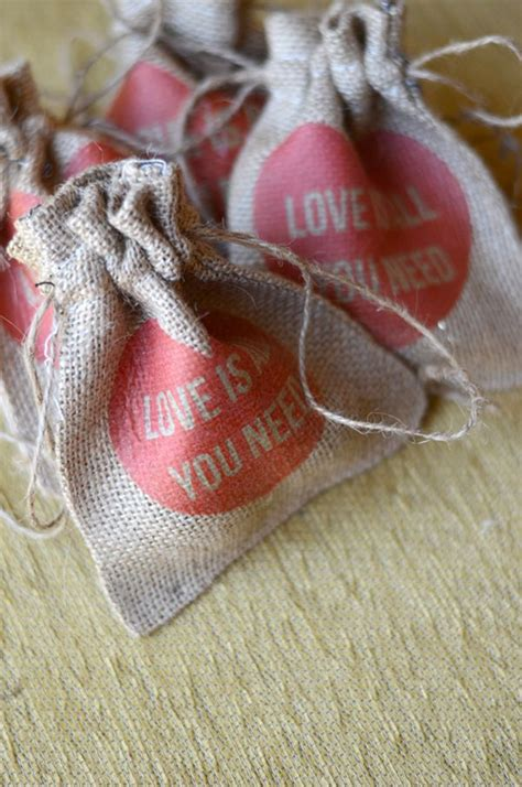 favors to make 35 and easy to make wedding favor ideas