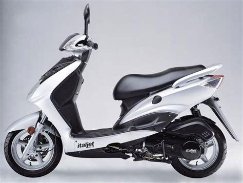 scooter pedana piatta italjet class 50 italjet class 50