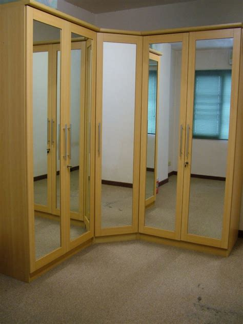 Bifold Mirrored Closet Doors Mirrored Closet Doors Bifold Decor Trends Various Types Of Mirrored Closet Doors