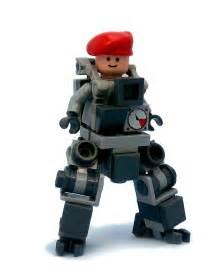Bowbrick s bobsuit a tiny lego mech suit