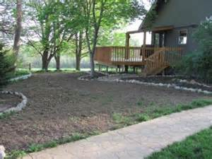 landscaping a sloped area what to plant