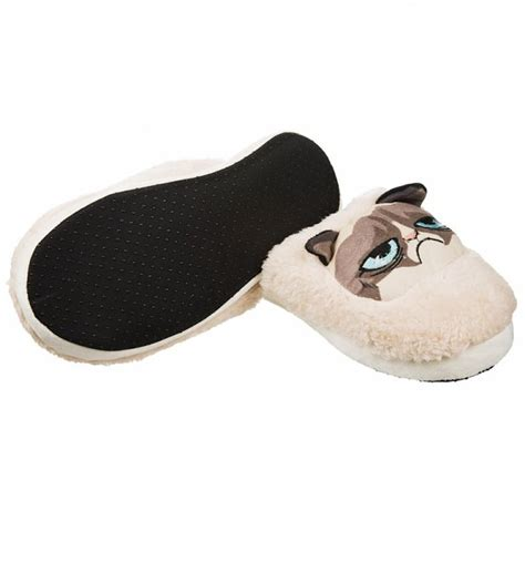 grumpy cat slippers s grumpy cat slip on slippers