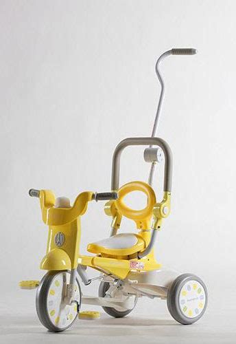 Iimo Macaron Foldable Tricycle Yellow no 1 in japan iimo x macaron 3 in 1 foldable tricycle banana yellow pupsik singapore