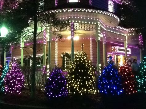 dollywood christmas is a fantasy come true dollywood at