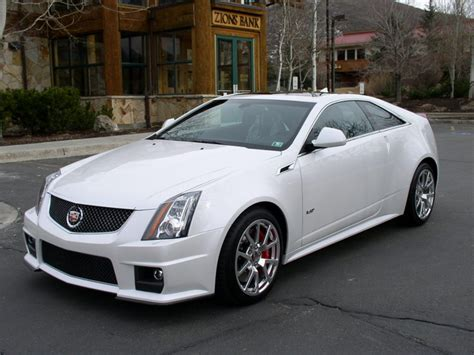 cadillac cts  coupe overview cargurus