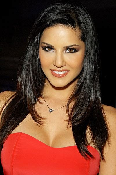 Us porn star sunny leone s upcoming bollywood film trailer goes viral