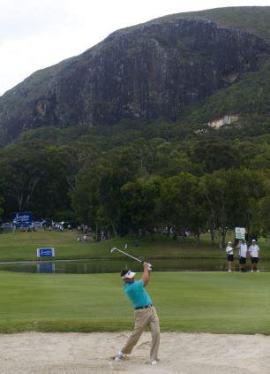 robert allenby swing robert allenby enters australian open final round a stroke