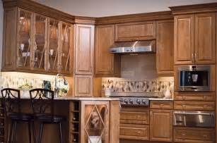 kraftmaid kitchen cabinets maple yuuuummmmm pinterest - best 25 kraftmaid kitchen cabinets ideas on pinterest kitchen staging shaker style kitchen