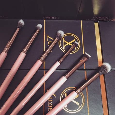 Luxie Set 1 essentials quot eye quot set by luxie brushes pink and rosegold collection