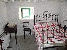 Celtic Bedroom Ideas by Traditional Cottage Bedroom Decor
