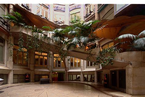barcelona patio interior casa mil 224