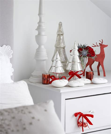 christmas home decor uk christmas bedroom decorating ideas ideal home