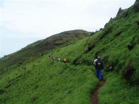 trek  kemmangundi peak   top