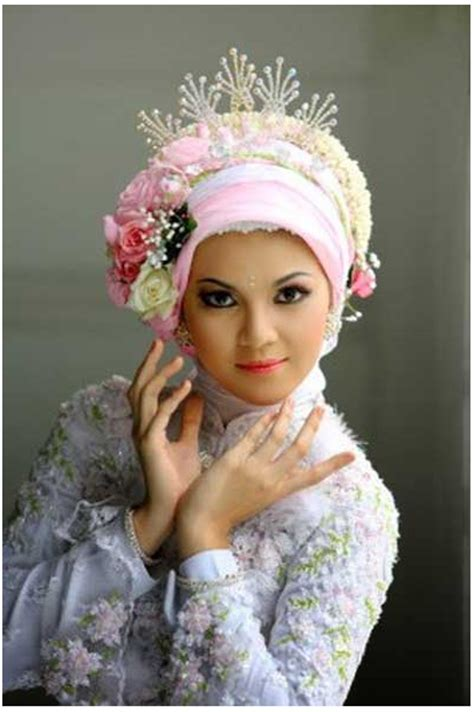 tutorial jilbab ala pengantin cara memakai jilbab pengantin modern dengan mahkota bunga