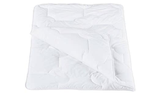 ab wann mit bettdecke schlafen ab wann kann ein baby mit bettdecke schlafen