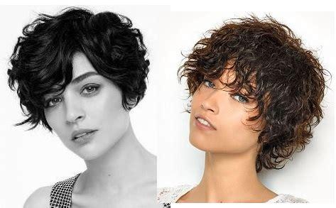 coupes courtes cheveux bouclés : idées de coupes/coiffures