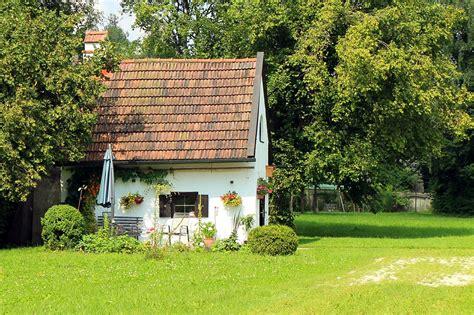 imagenes jardines entrada casa 10 entradas de casas con jard 237 n realmente originales