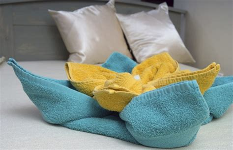 Towel Origami Flower - decorative towel folding ideas you ll surely want to try
