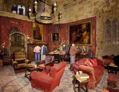 gryffindor bedroom ideas harry potter gryffindor common room pictures the making of harry potter the