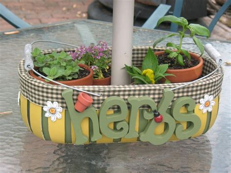 Patio Table Flower Planters by Best 25 Patio Table Umbrella Ideas On