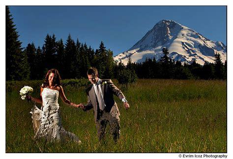 mt hood bed and breakfast sneak peek april and michael s wedding at mt hood bed