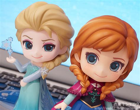 Nendroid Elsa And Frozen 475 550 Smile Company Kws o0515040613377737601 jpg pictures myfigurecollection net tsuki board net