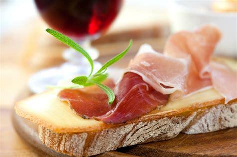 Doh Amaziing Food 1 italian language lesson 1 amazing food italy magazine