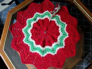 magical crafts wip wednesday christmas tree skirt 2013 1