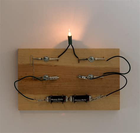 make a model of electric circuit circuit workbench physics electricity science activity