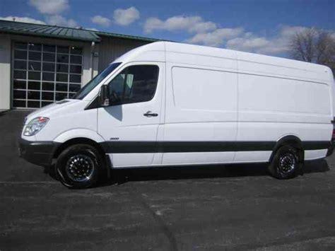 mercedes benz sprinter 2500 van 2011 van box trucks freightliner sprinter 2500 high roof cargo 2011 van box trucks