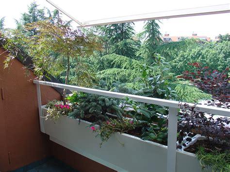 fioriere per terrazzi soluzioni per terrazzi con fioriere piccole fabel punto
