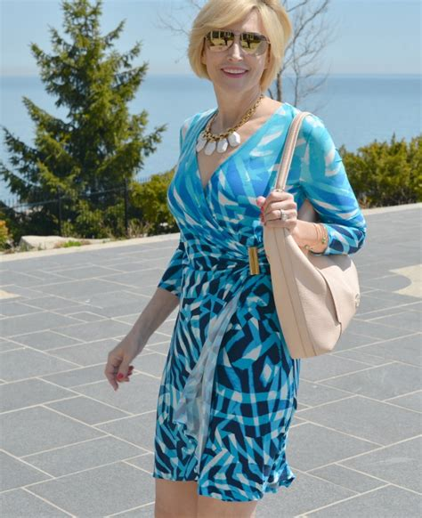 first date outfits for 50 year olds look sexy after 40 in a wrap dress