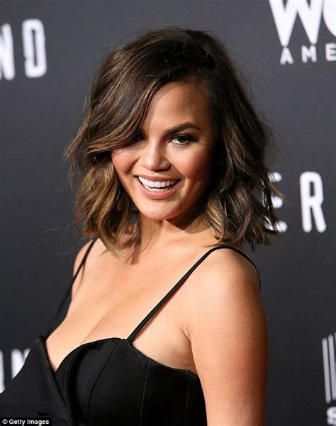 chrissy teigen hair color 25 best ideas about chrissy teigen hair on