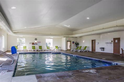 comfort inn lake geneva wi comfort suites delavan lake geneva area 313 bauer