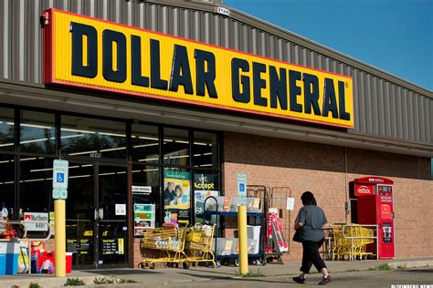 dollar store why dollar general dg and dollar tree dltr stocks are