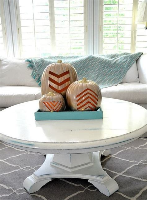 coffee table decorative accents ideas 43 fall coffee table d 233 cor ideas digsdigs