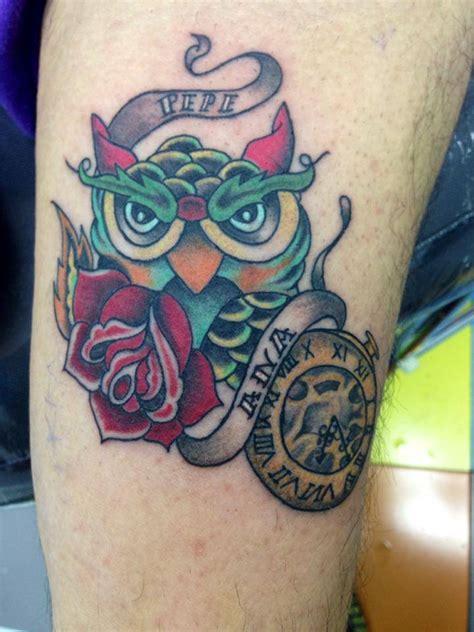 tatuaje de un b 250 ho new con un reloj una rosa y