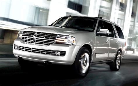 2012 lincoln navigator reviews 2010 lincoln navigator reviews and rating motor trend