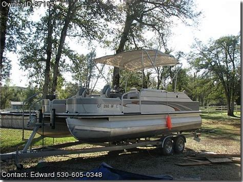 used pontoon boats for sale by owners 2004 crestliner pontoon by owner boat sales