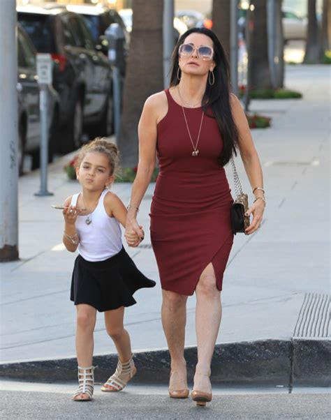 what does kyle richards do to make her hair look thicker kyle richards out in beverly hills with her daughter