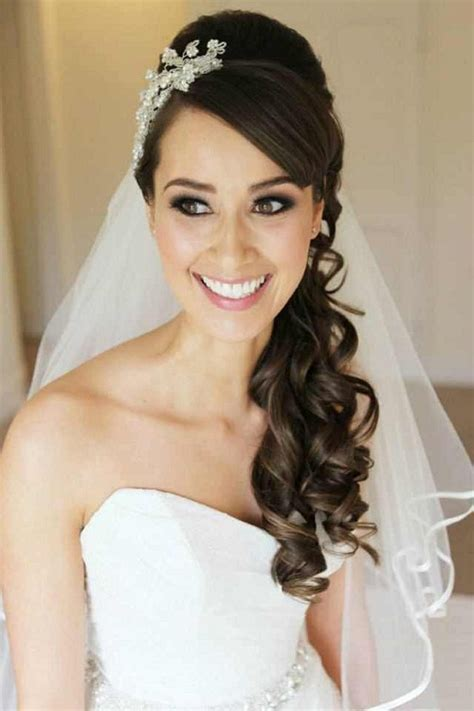 Wedding Hairstyles With Bangs And Veil by Wedding Hairstyles To The Side With Veil Best Wedding Hairs