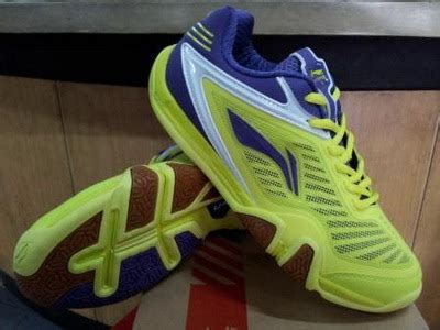 Harga Sepatu Badminton Gosen lining saga ace 067 3 ayth 067 3 yellow blue toko