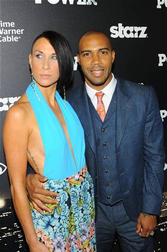 wht actors with black wives or girl friends actor omari hardwick and his wife jennifer pfautch