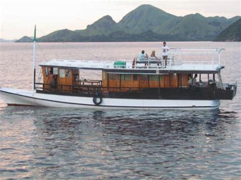 boat komodo boat ride from labuanbajo to rinca island komodo np