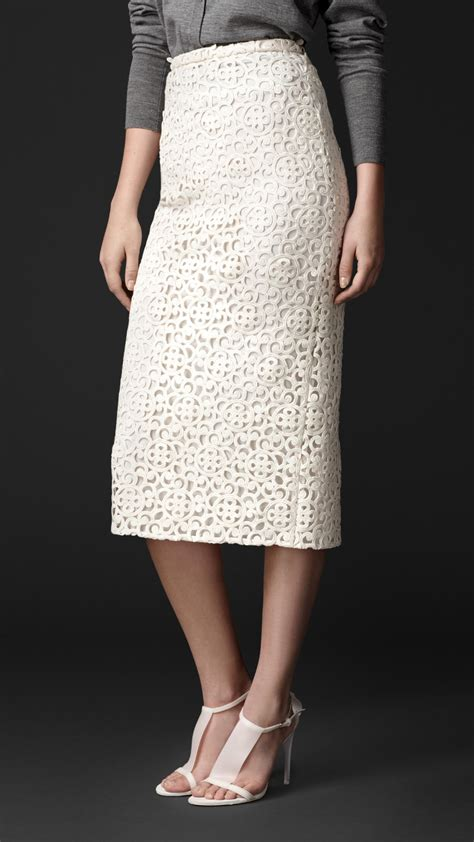 burberry macram 233 lace pencil skirt in white lyst
