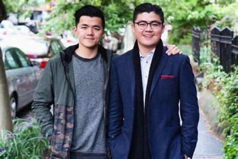 dua anak muda  sabet marketeers netizen award