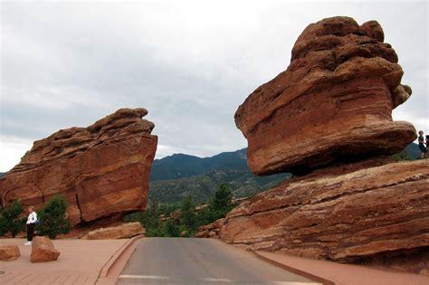 balancing rock garden of the gods colorado colorado springs garden of the gods balanced